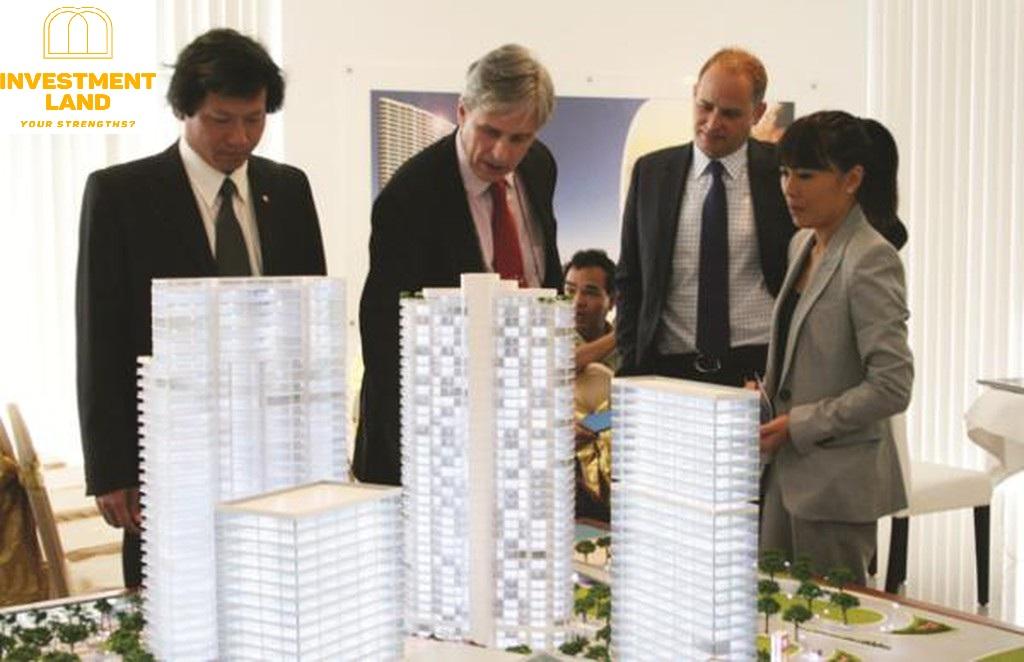 Khá đông người nước ngoài tìm hiểu dự án nhà ở tại Việt Nam