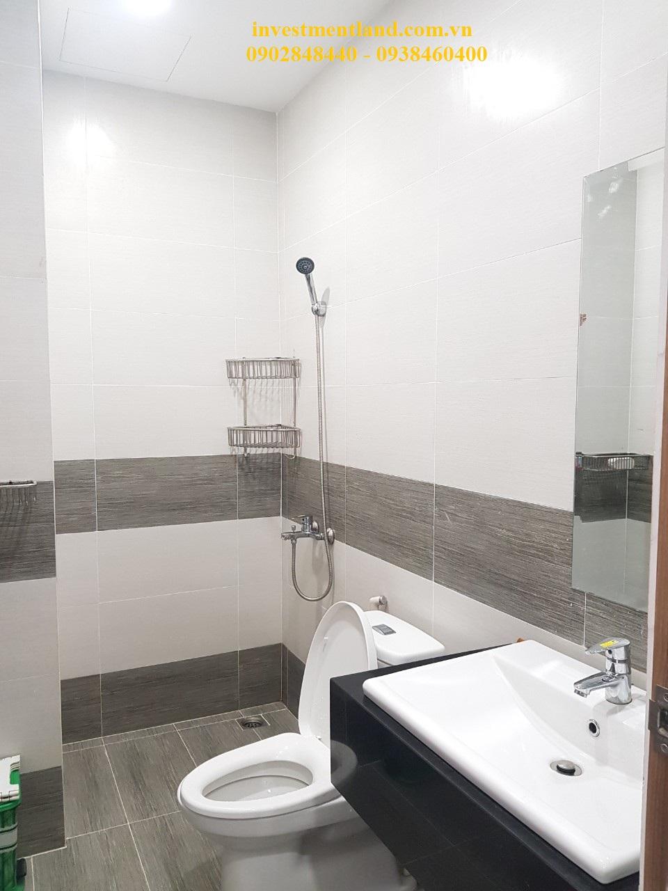 Toilet nhà đường Gò Cát phường Phú Hữu Quận 9