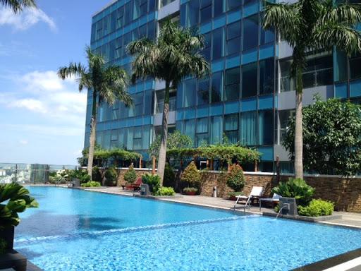Hồ bơi tầng 21 căn hộ Vincom Đồng Khởi